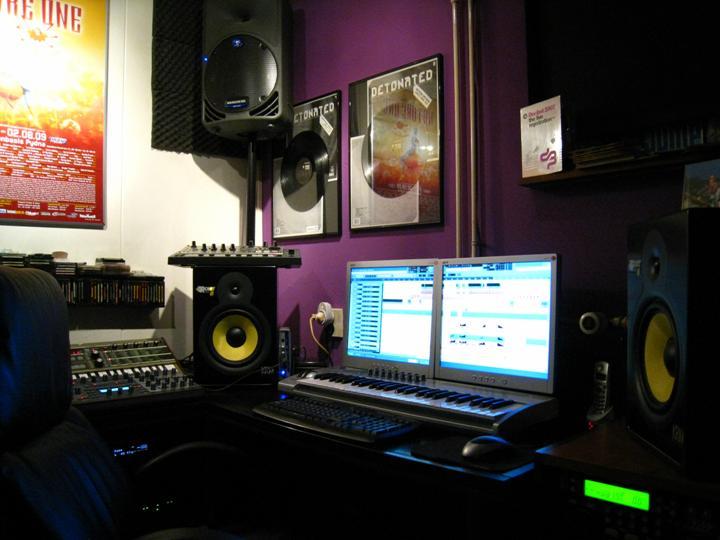 Te koop krk rokit8 studio monitor set - Ontwikkel een kleine studio ...