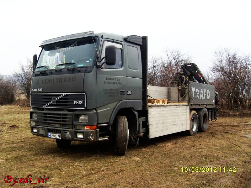 Mercedes Actros Vs Volvo FH 12 SDC115858